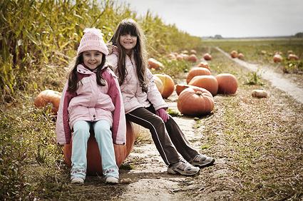 DSC_5050_pumpkin_girls
